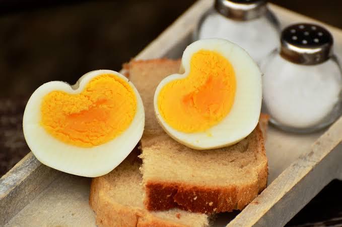 How long hard boil eggs go good